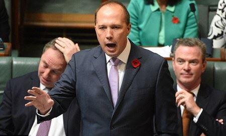 """تلاش مجدد""""پیتر داتون""""وزیر مهاجرت استرالیا برای تصویب تغییرات پیشنهادی در قوانین شهروندی استرالیا"""