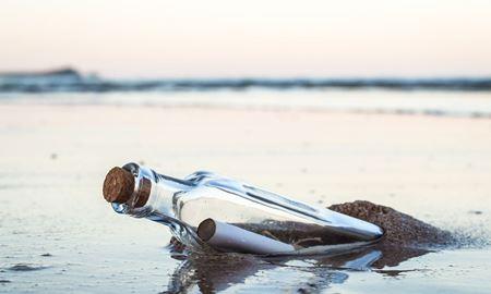 ماهیگیر استرالیایی بطری حاوی یک نامه را در آب پیدا کرد