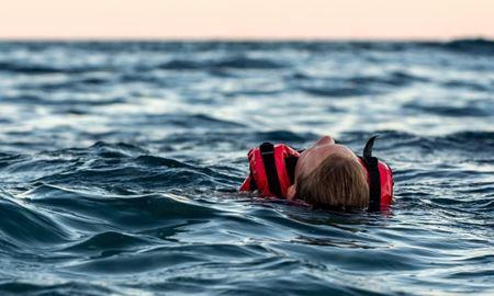 زبالههای دریا، جان ملوان را نجات دادند