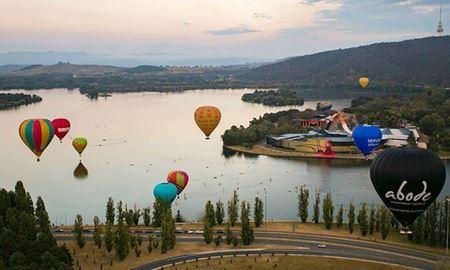 گردشگری استرالیا/ پرواز با بالون بر فراز کانبرا (پایتخت استرالیا)
